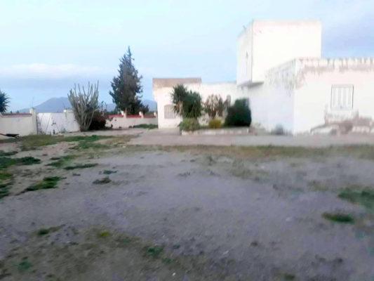 Terrain agricole avec 2 Villa mornag