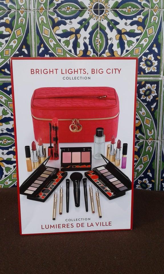 Importée du Canada trousse de maquillage avec pendentif Elizabeth Arden
