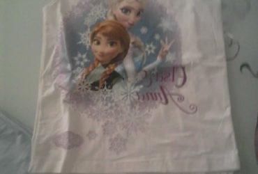 A vendre tenue Elza et Anna