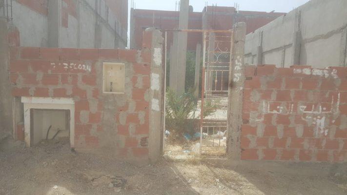 A vendre terrain avec un projet de construction encours
