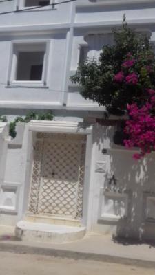 Villa de luxe s+3 , 144 m² , au 1 ér étage à el ouardia 4 tunis à louer.