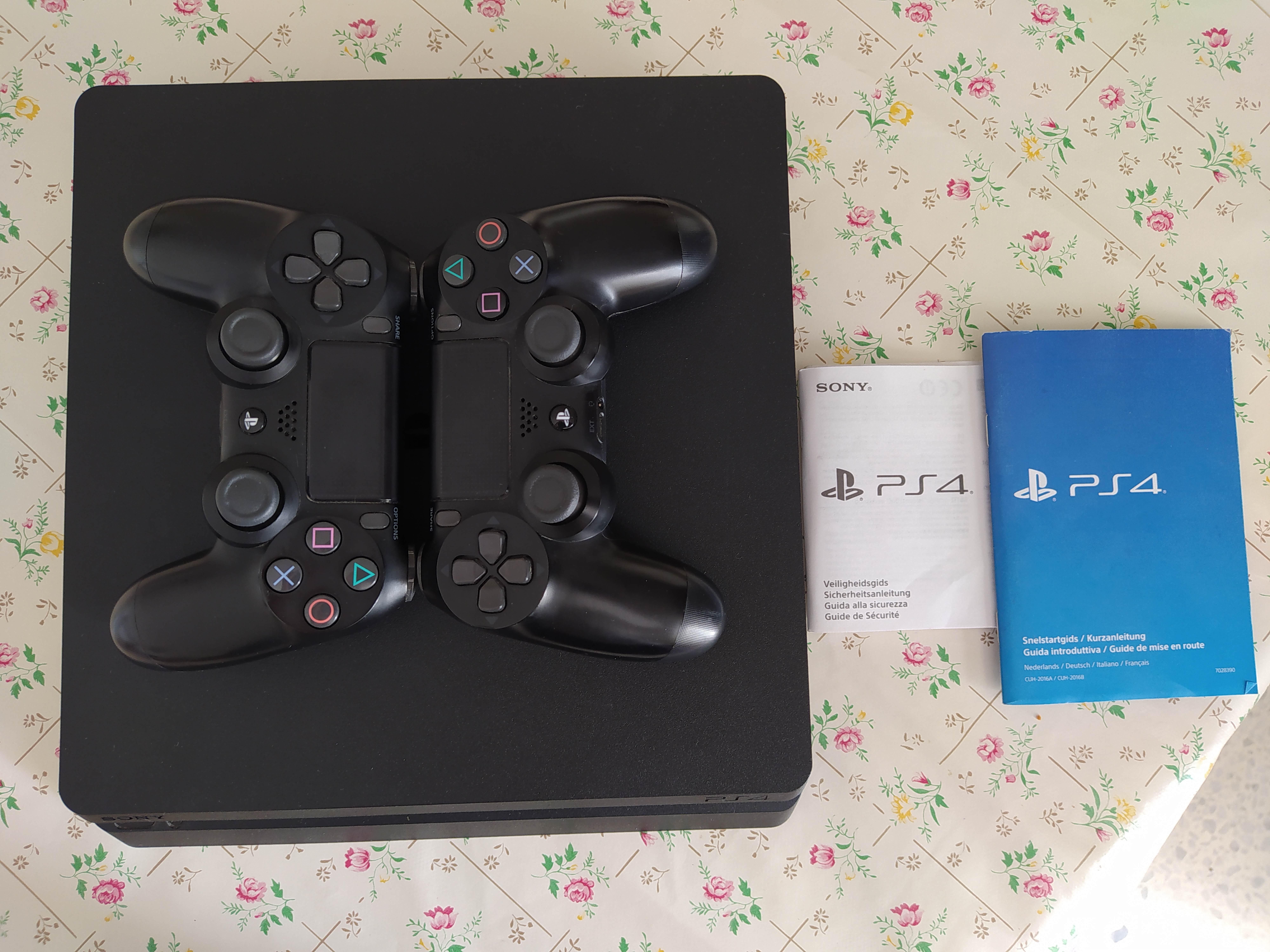 PlayStation4 slim très bonne occasion
