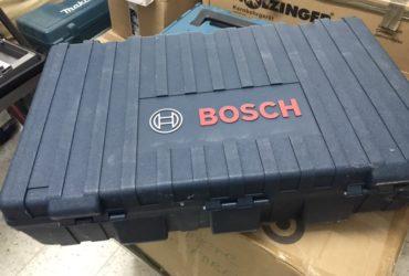 Marteau piqueur Bosch neuf: SDS-max GSH 11 VC Professional neuf