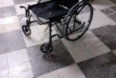 Chaise roulante pliante, 230 DT
