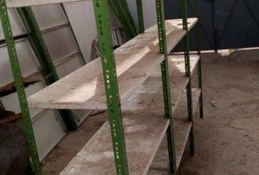 11 étagères tarme melale 1metre/2metre – el ka3ba en bonne état tel :55029319