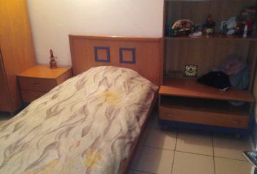 A vendre chambre à coucher