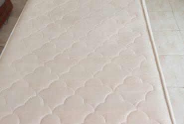 lit chambre fille rose avec matelas